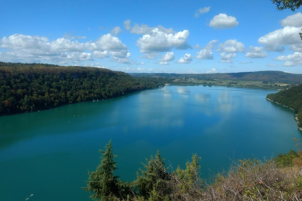 Lac chalain vacances jura location jura camping chalain - Chambre d hote jura region des lacs ...